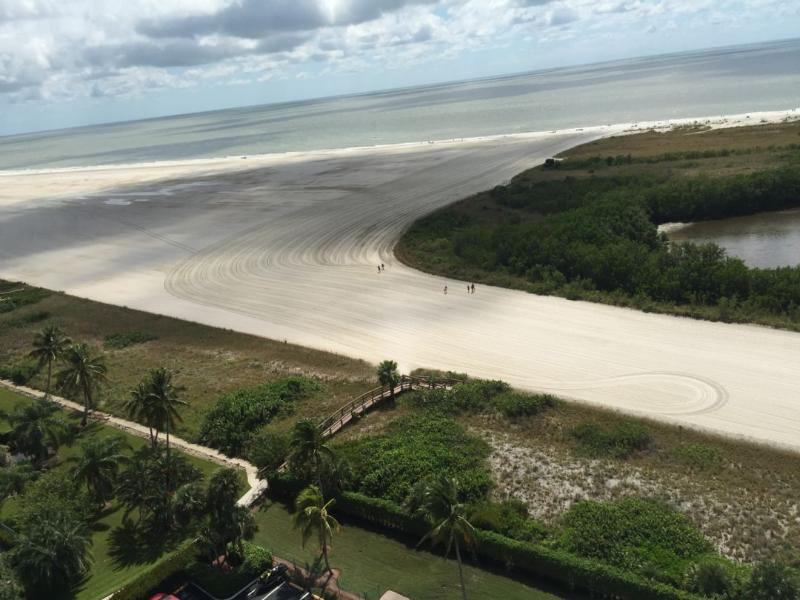 Beach view - Lovely beach views from this cozy condo in gated Resort on the Gulf of Mexico - Marco Island - rentals