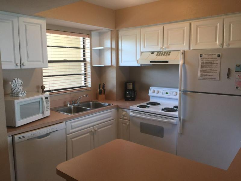 Kitchen - Fabalous and newly refurbished condo - multi-level unit with Waterfront views! - Marco Island - rentals
