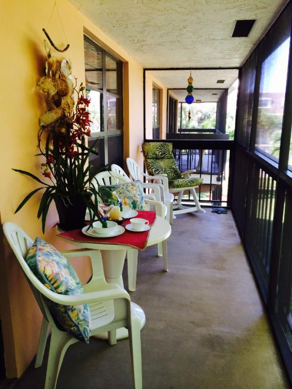 Relax outside on the lanai - Mariner208 - Marco Island - rentals