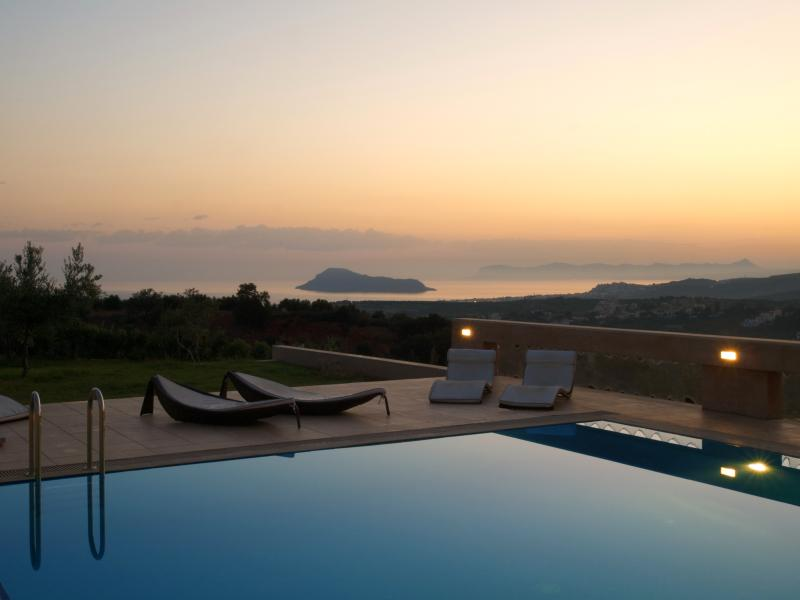 panoramic sea views private spacious pool (11mX8m) - Villa AnnaNiko Chania Crete Luxury - Amazing views - Heated pools - Chania - rentals