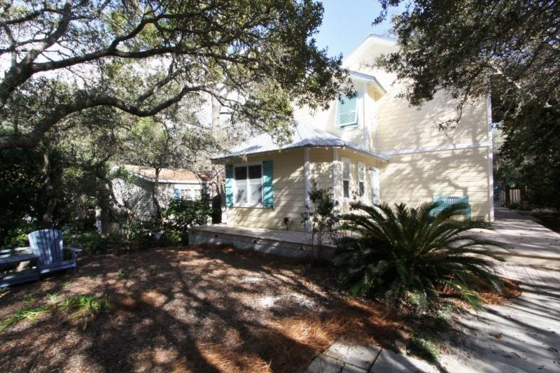 Latitude Adjustment in Seagrove Beach - Latitude Adjustment - Seagrove Beach - Private Pool - Seagrove Beach - rentals