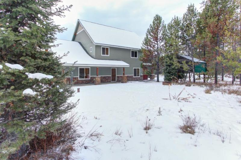Luxurious home w/ convenient location and private hot tub! - Image 1 - Donnelly - rentals