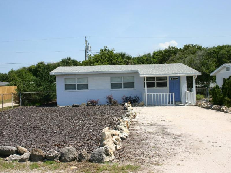 819 25th - Charming Beachside Home - Image 1 - New Smyrna Beach - rentals