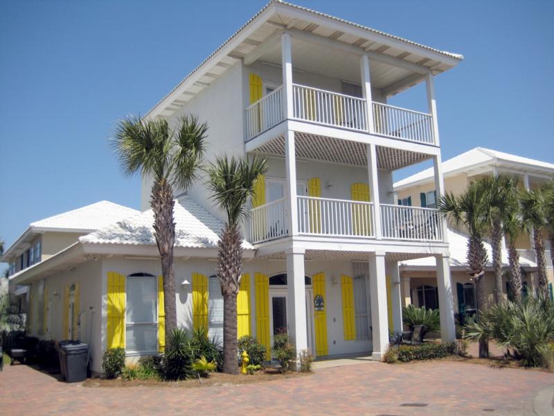 South Seas Home on 1st Beach Street! Walk to Beach - Image 1 - Miramar Beach - rentals