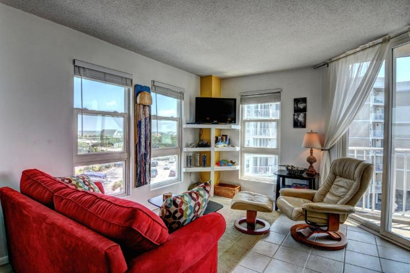 Living Room - St. Regis 2414 Oceanfront! | Indoor Pool, Outdoor Pool, Hot Tub, Tennis Courts - North Topsail Beach - rentals