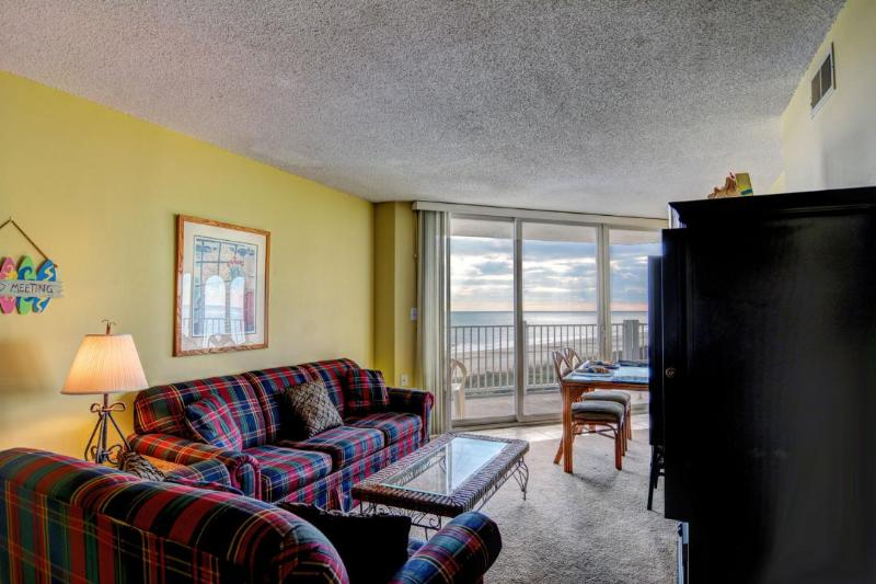 Living Room - St. Regis 2406 Oceanfront! | Indoor Pool, Outdoor Pool, Hot Tub, Tennis Courts - North Topsail Beach - rentals