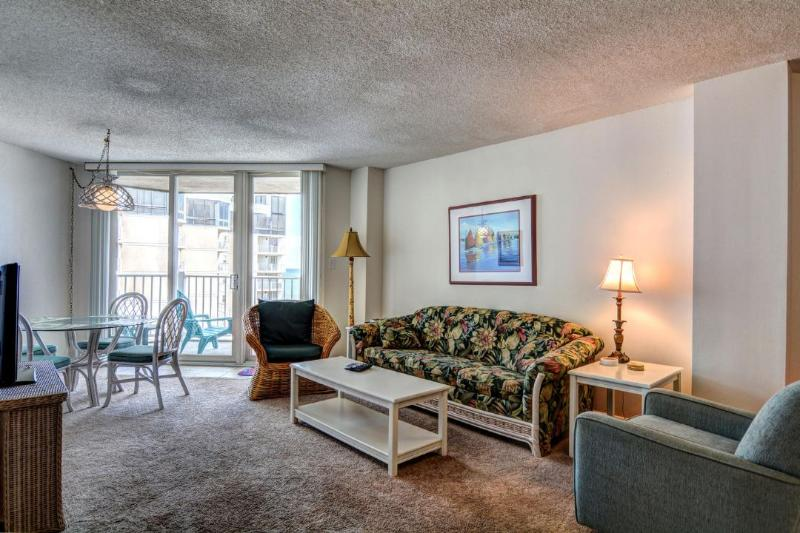 Living Area - St. Regis 1413 Oceanfront! | Indoor Pool, Outdoor Pool, Hot Tub, Tennis Courts - North Topsail Beach - rentals