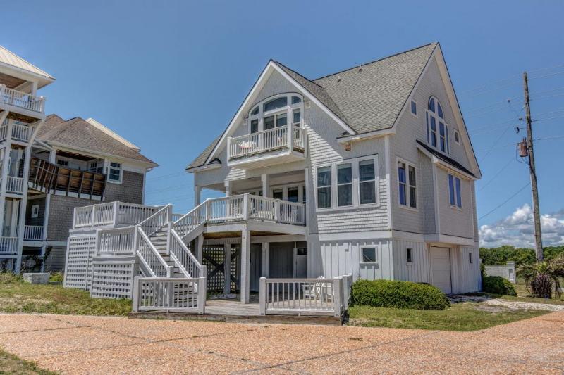4150 Island Drive - Island Drive 4150 Oceanfront-B Lot! | Internet, Hot Tub, Community Pool, Jacuzzi - North Topsail Beach - rentals