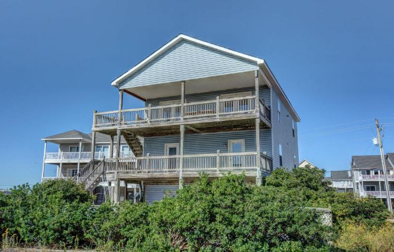 814 North Topsail Dr - N. Topsail Dr. 814 Oceanfront-B Lot! | Private Pool, Internet, Pet Friendly - Surf City - rentals