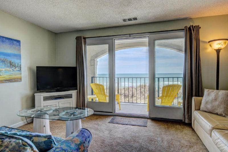 Living Room - Villa Capriani 115-B Oceanfront! | 3 Pools, Largest Pool on NC Coast, 2 Hot Tubs, Grill Area, Tennis Courts, Restaurant, and Int - North Topsail Beach - rentals