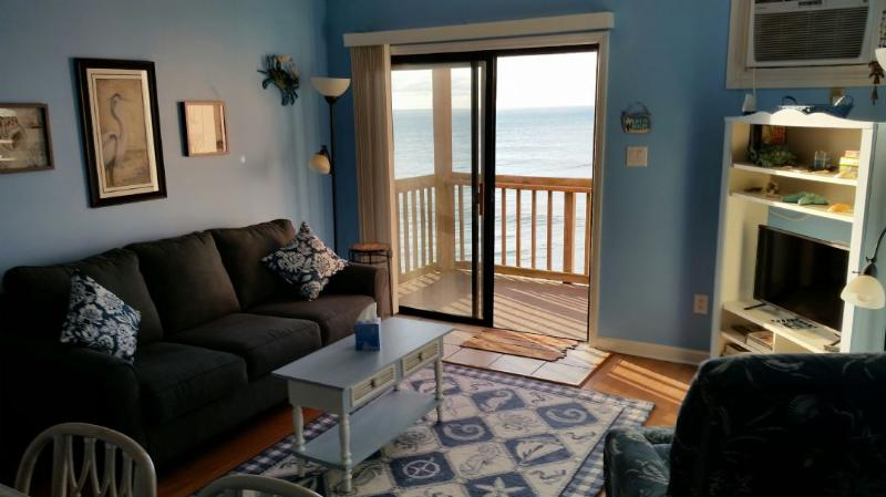 Living Room - Topsail Reef 384 Oceanfront! | Building 7, Floor 3, Tennis Courts, Grill Area, Internet  Discounts Available- See Description!! - North Topsail Beach - rentals