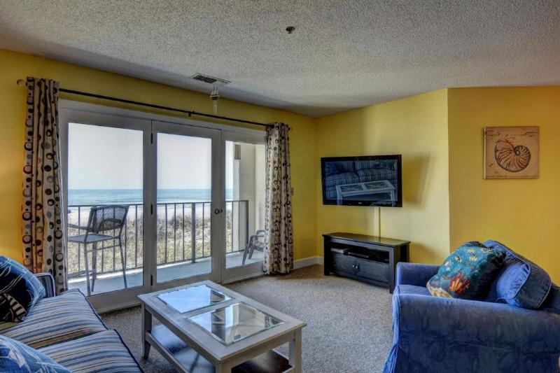 Living Room - Villa Capriani 114-B Oceanfront! | 3 Pools, Largest Pool on NC Coast, 2 Hot - North Topsail Beach - rentals