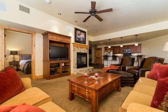 Living Room -  Bear Lodge 6102 - 6102 Bear Lodge, Trappeurs - Steamboat Springs - rentals
