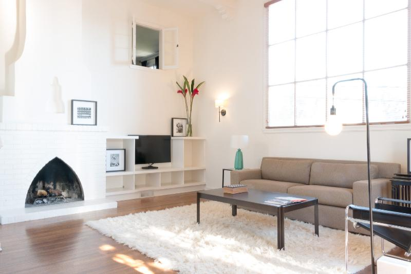 Beautiful 1 Bedroom Loft in the Hollywood Hills - Image 1 - Los Angeles - rentals
