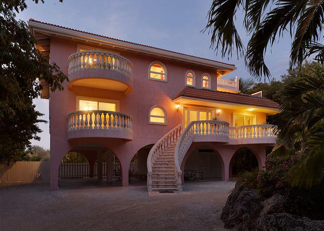 Mediterranean styling, oceanview, pool, dockage, hot tub - Image 1 - Marathon - rentals