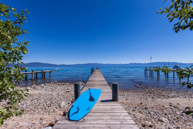Couples Cove Lakefront Cabin - Pier & Buoy - Image 1 - Carnelian Bay - rentals