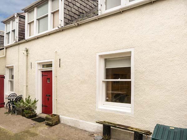 KILDONNAN well-equipped, close to beach, fishing, woodburner in Gardenstown Ref 930282 - Image 1 - Gardenstown - rentals