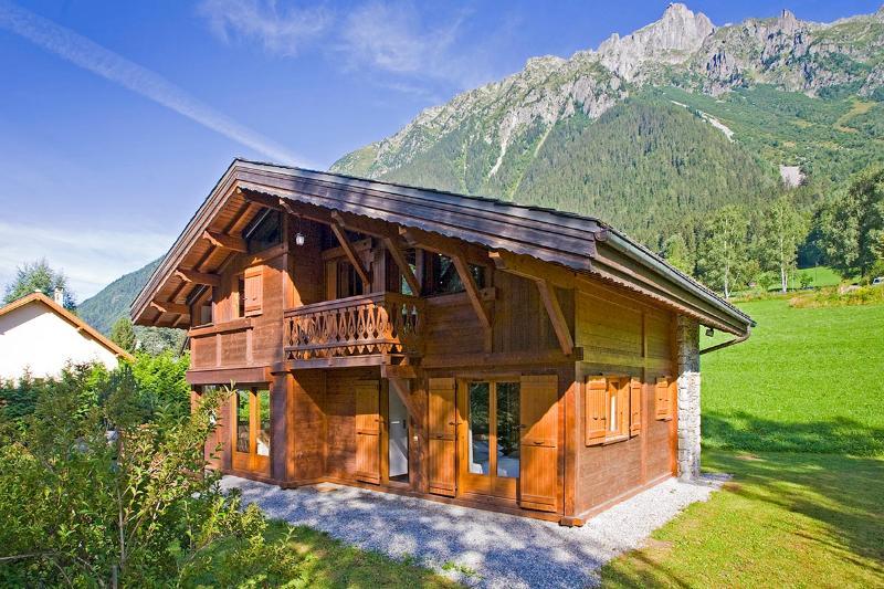 Chalet Shangri-la, Sleeps 10 - Image 1 - Chamonix - rentals