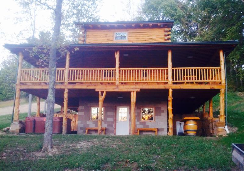 "The Big Red Cabin. Your home away from ""everything""!  Relax at this spacious, yet cozy new cabin. - Big Red - Scio - rentals"
