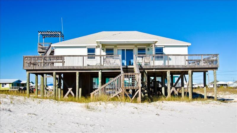 Sand Bar -Spacious 3 bedroom Gulf of Mexico beach house with great Gulf-side location, Crow's Nest! - Image 1 - Dauphin Island - rentals