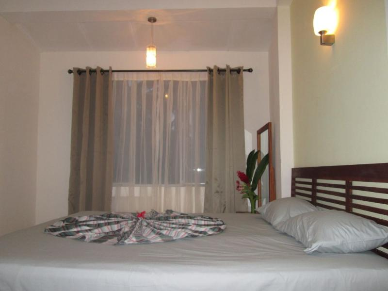 Master Bedroom - Unawatuna Apartments - Garden View - Unawatuna - rentals