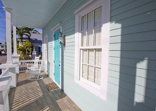Luxury 2 bedroom 1 bath with full kitchen - sleeps 5 - Steps from Duval St - Image 1 - Key West - rentals