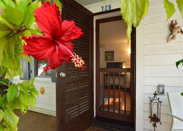 Solaris Cottage: Historic Old Town Lane - 2 blocks from Duval - Sleeps 2 - Image 1 - Key West - rentals