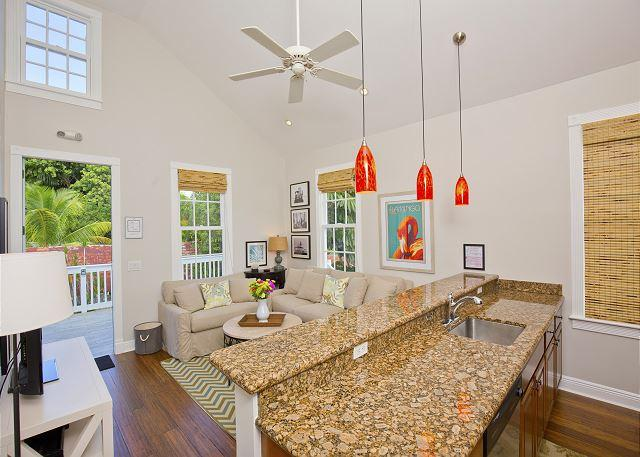 Luxury 1 Bedroom with Full Kitchen - Sleeps 3 - Walk to the Beach & Nightlife - Image 1 - Key West - rentals