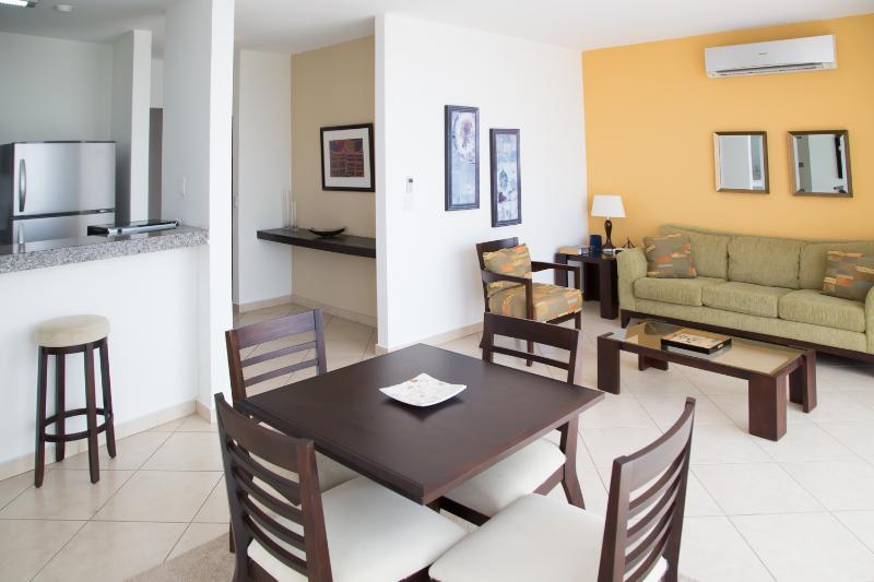 Cozy 1 Bedroom Apartment in Coco Del Mar - Image 1 - Panama City - rentals