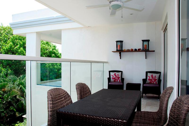 Tasteful 3 Bedroom Apartment in Old Town - Image 1 - Cartagena - rentals