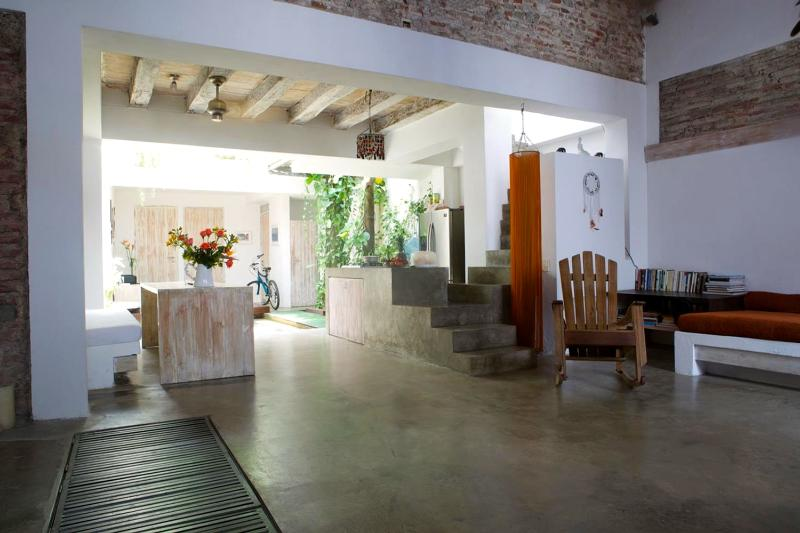 Open-Air 5 Bedroom House Nestled in Old Town - Image 1 - Cartagena - rentals