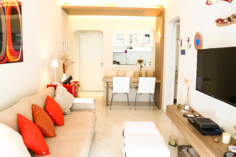 Bright 1 Bedroom Apartment Nestled in Itaim Bibi - Image 1 - Sao Paulo - rentals