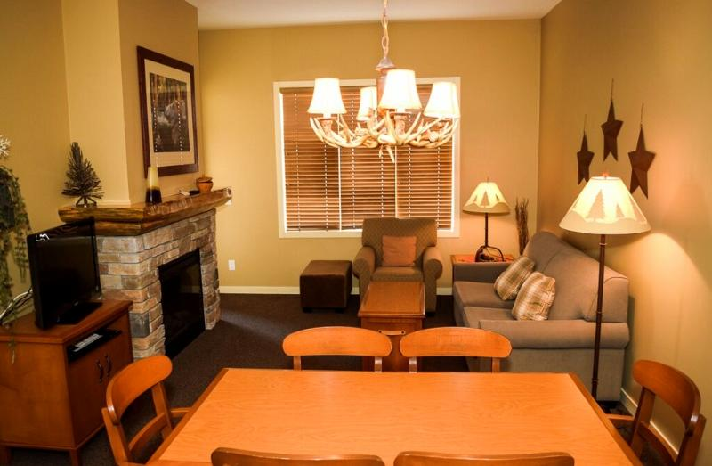 Perfect, cozy living area for a couple or small family - Big White Sundance Resort Impressive 1 Bedroom Club Suite - Big White - rentals