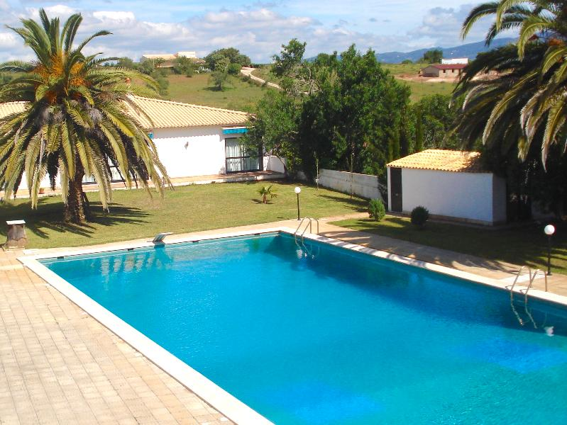 Shared pool with the 5 apartments on the background. - Algarve Retreat - Apartment - Lagos - rentals