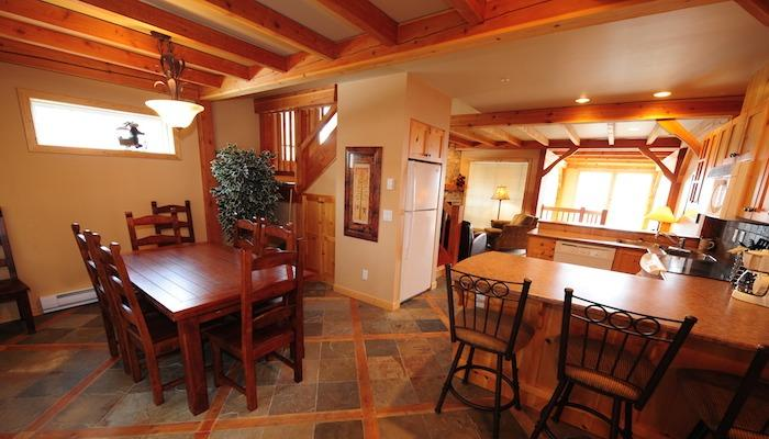 Wonderful, spacious living area - Big White Black Bear 3 Bedroom Townhome with Private Hot Tub! - Big White - rentals