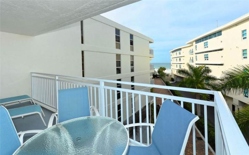 Newly renovated 4th floor Gulf Side 2BR #406GS - Image 1 - Sarasota - rentals