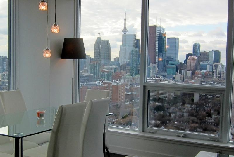Main View - Penthouse Suite w Spectacular View - Toronto - rentals