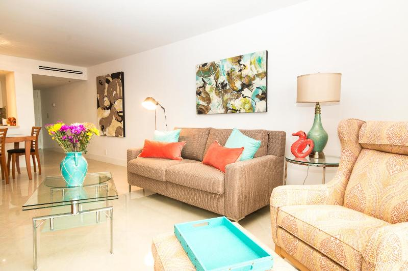 Gorgeous, Fully Upgraded, Recently Renovated Condo - Image 1 - Miami - rentals