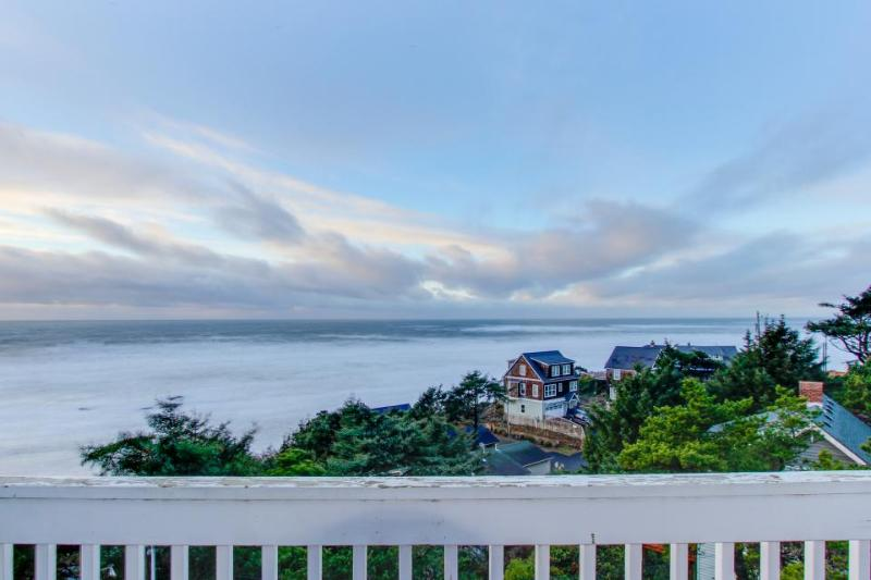 Dog-friendly studio with ocean views, just a short walk to the beach! - Image 1 - Lincoln City - rentals