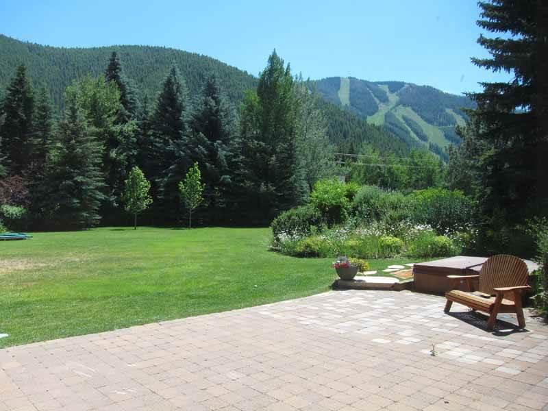 Huffman Mountain Modern Home- Amazing Mountain Views - Image 1 - Ketchum - rentals