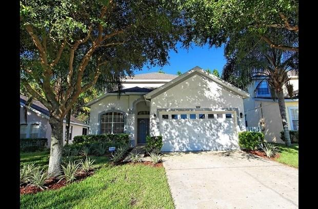 Front of Villa - Beautiful Five Bedroom Villa with Pool close to Disney in Golfing Community - Davenport - rentals
