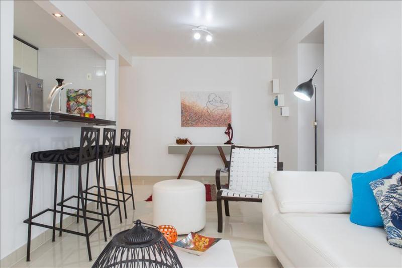 Living in Rio 2br Apartment Barra da Tijuca i09.011 - Image 1 - Lumiar - rentals