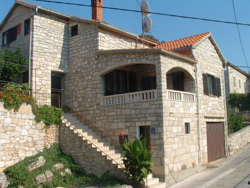 house - 00301SPLI  A1(6+2) - Splitska - Splitska - rentals