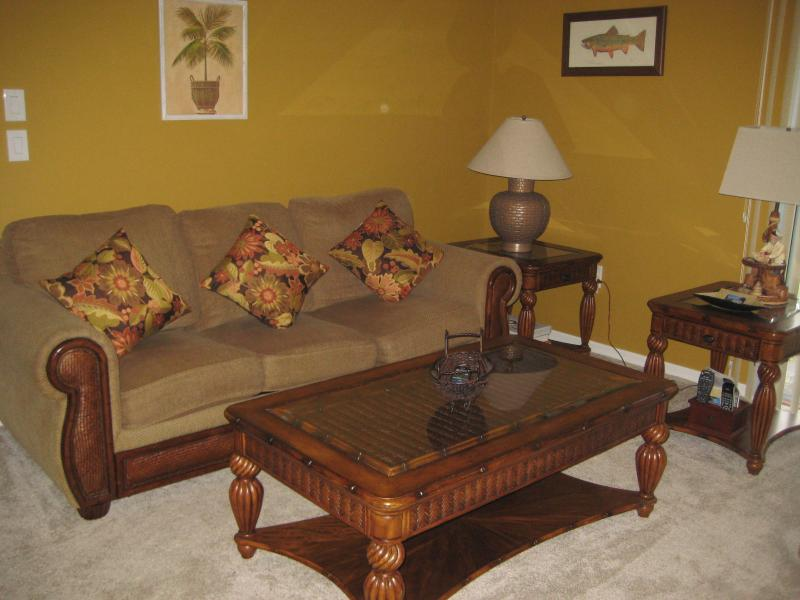 Living Room - Comfy Cozy Cul de Sac Beacon Woods East Hudson Fl - Hudson - rentals