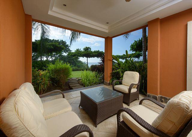 Beautiful 2BR beachfront condo- pool, custom kitchen, patio, HOR104 - Image 1 - Tamarindo - rentals
