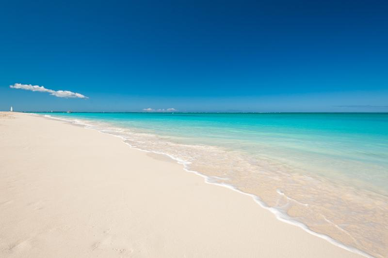 Grace Bay Beach - yes, this is a real photo - only 400 yards/meters away.... - Grace Bay Studio Walk to beach, restaurants, shops - Providenciales - rentals