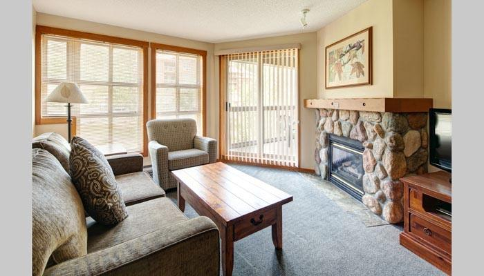 Wonderful, spacious living area - Panorama Upper Village Ski Tip & Tamarack Beautiful 2 Bed Condo - Panorama - rentals