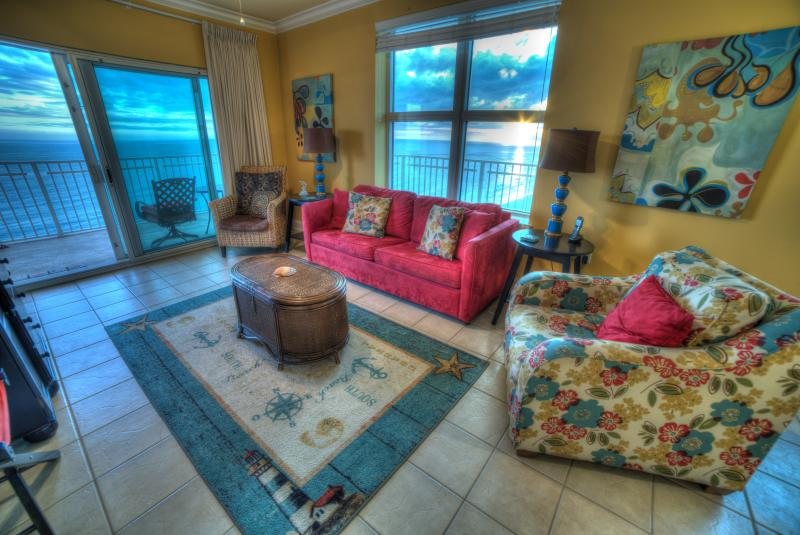 Large living room with great views of Gulf & Little Lagoon from inside & from large wrap around deck - CRYSTAL SHORES corner unit large deck great views! - Gulf Shores - rentals