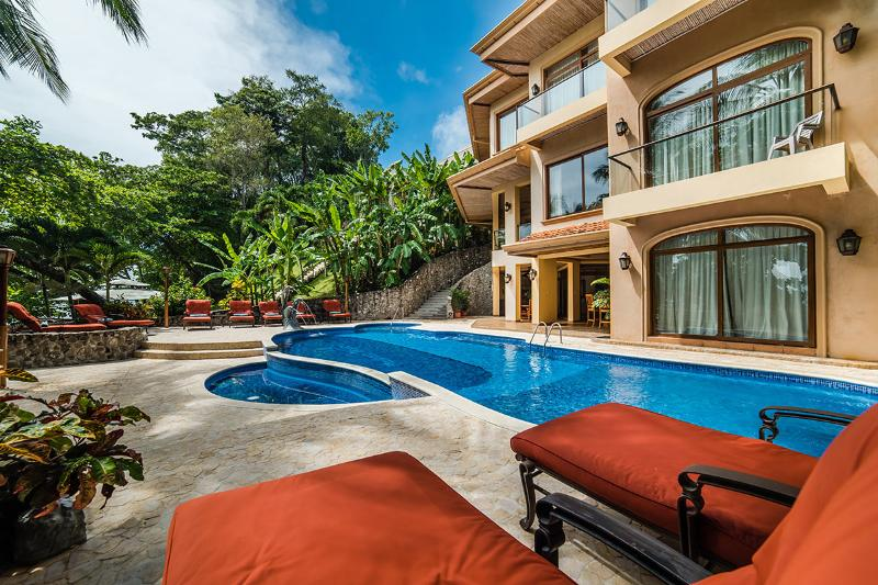 Palacio Tropical, Sleeps 14 - Image 1 - Tambor - rentals
