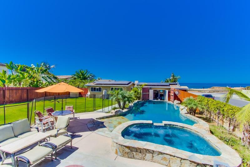 Villa Mar Vista - Oceanfront home, Pool & Jacuzzi - Image 1 - San Diego - rentals